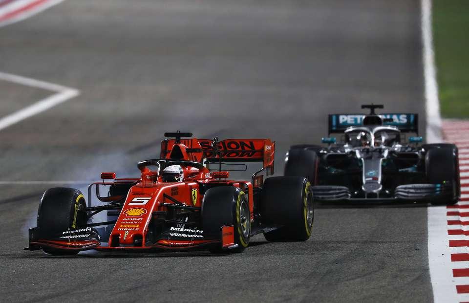Rebufo entre Vettel y Hamilton