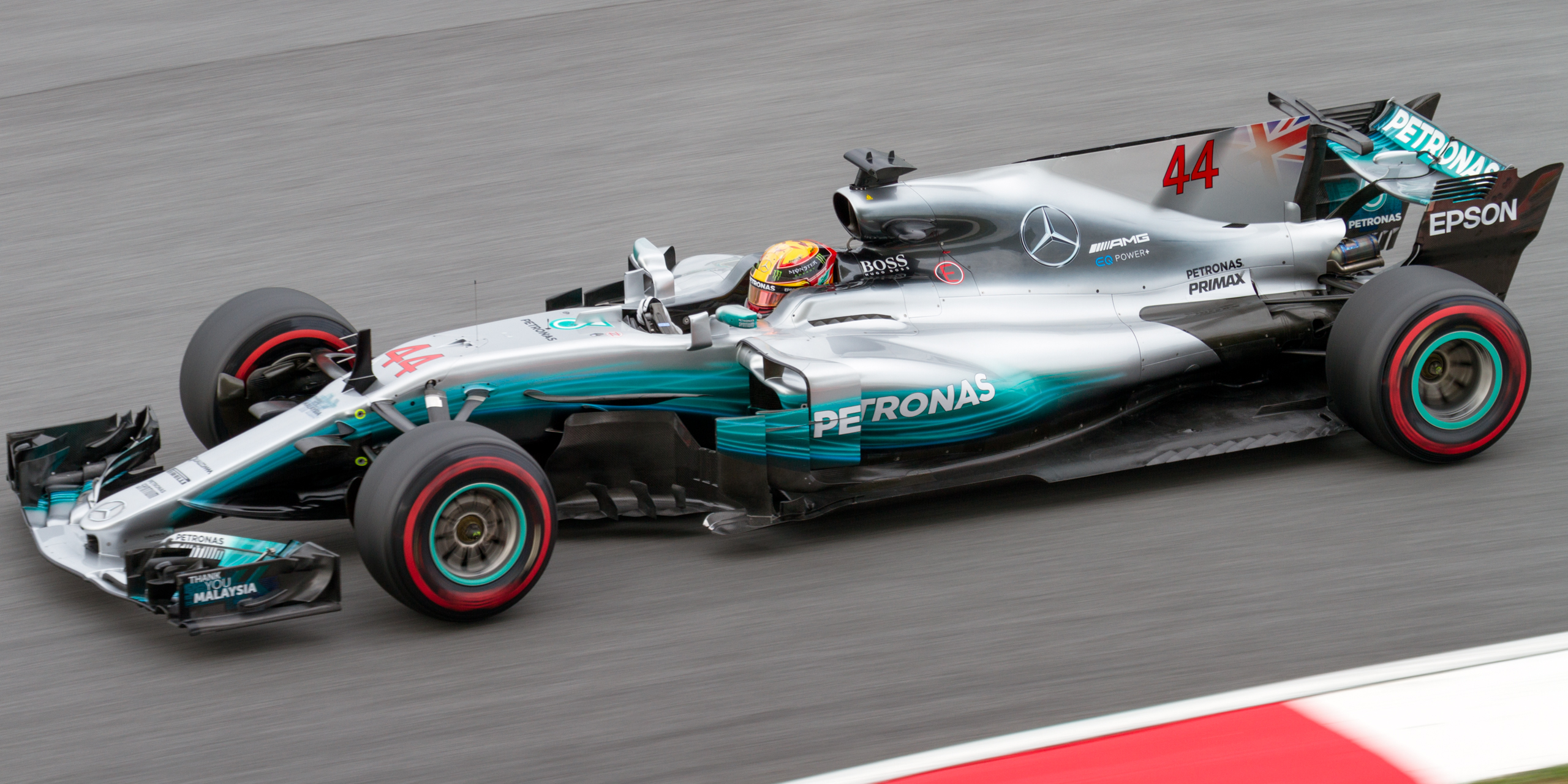 Mercedes 2017 aleta tiburón